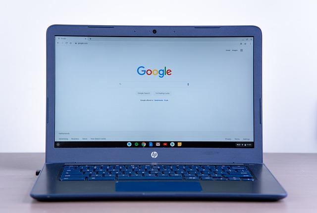 Google w laptopie